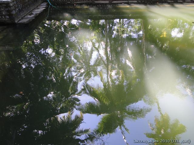 Отражение божественной красоты природы на поверхности озера