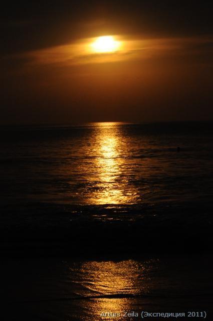 Фото зарисовки Артурса Зейлы о красотах морского побережья в Гокарна