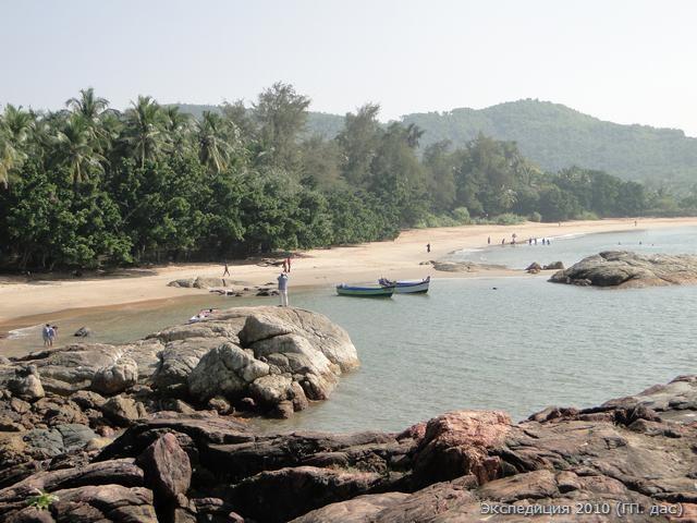 Омбич - знаменитый пляж в форме священного слога ОМ