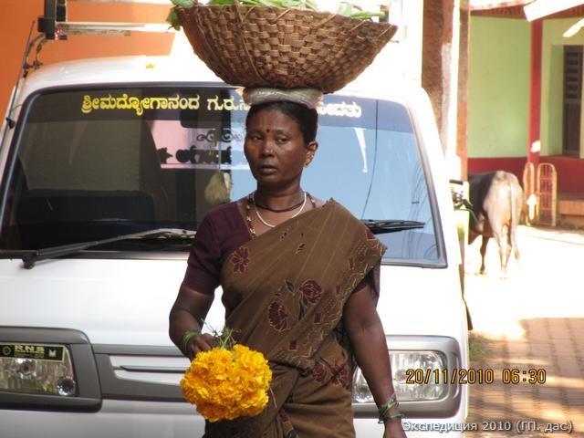 Пускай полученные от Господа цветы, украсят праздник нашей женской красоты...
