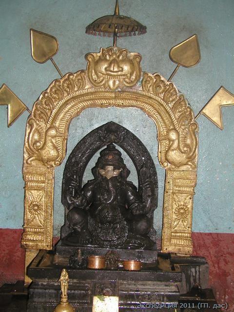 Шри Ганеша - бог удачи на алтаре