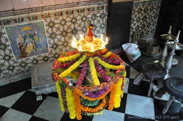 праздничная лампада с цветами